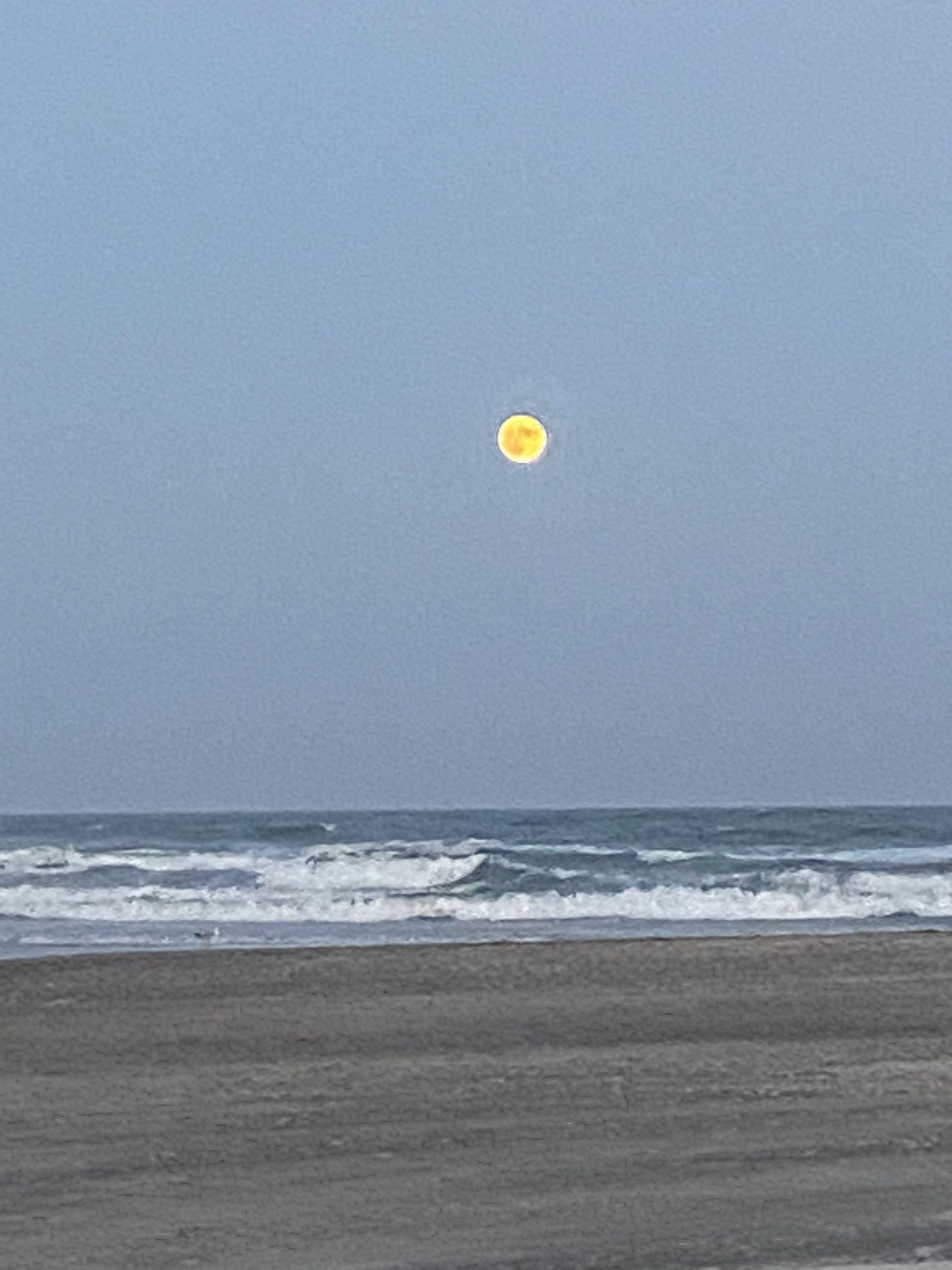 Full moon yoga eb365010b1fd7d0acf4d5fd1a15dec73 scaled